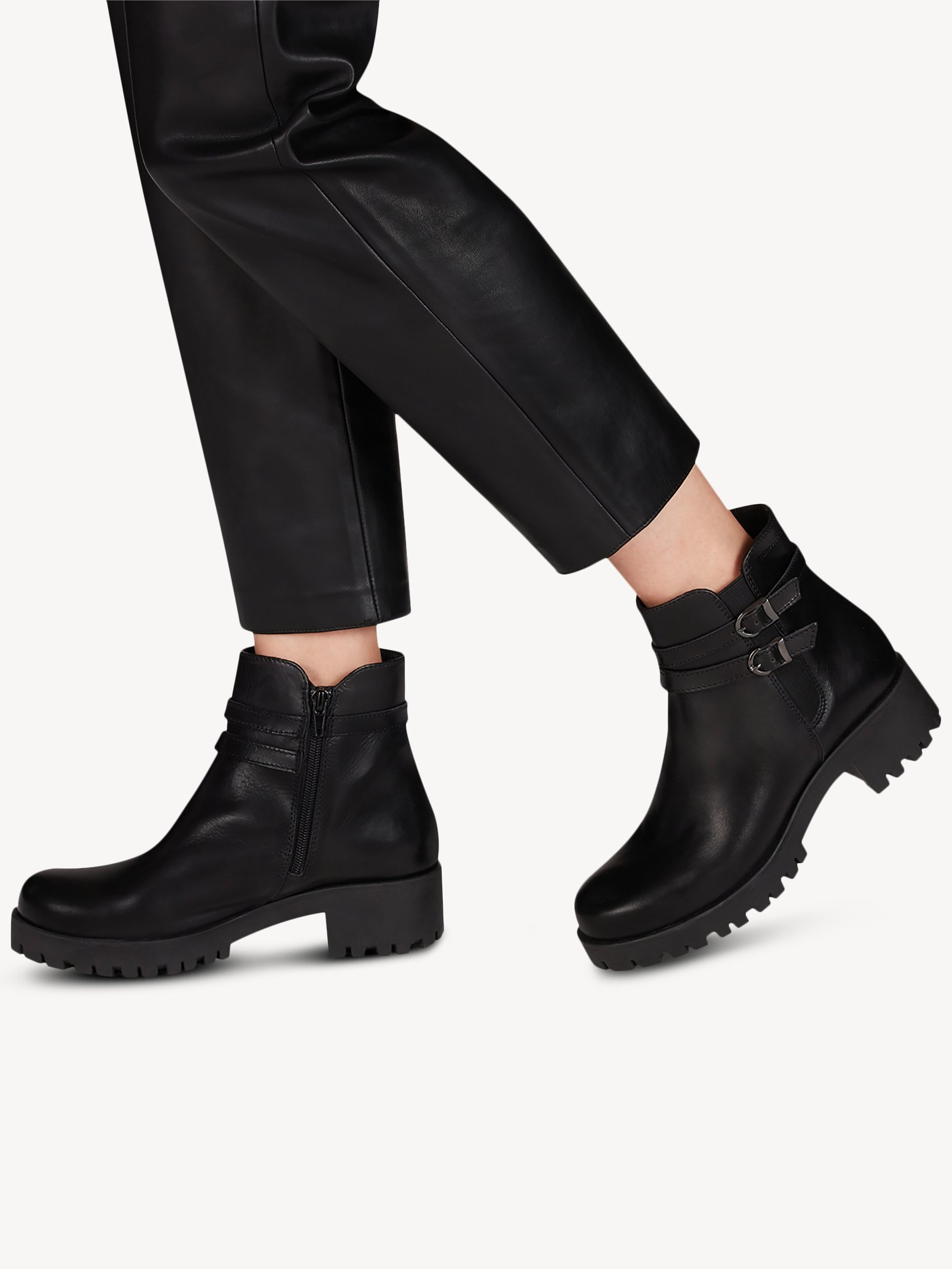 Ботинки Tamaris 1-1-25477-25-001