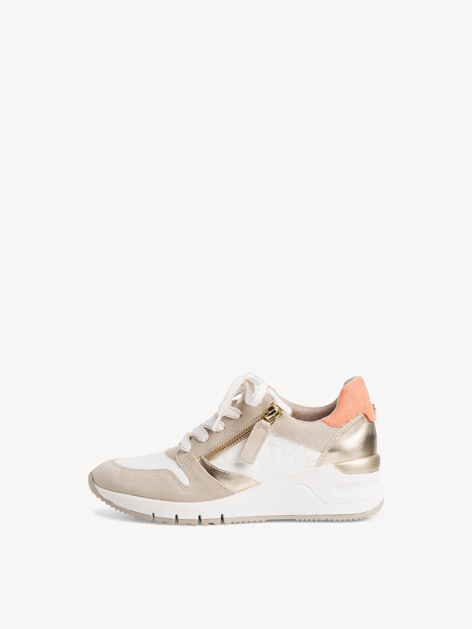 Ботинки на шнурках женские